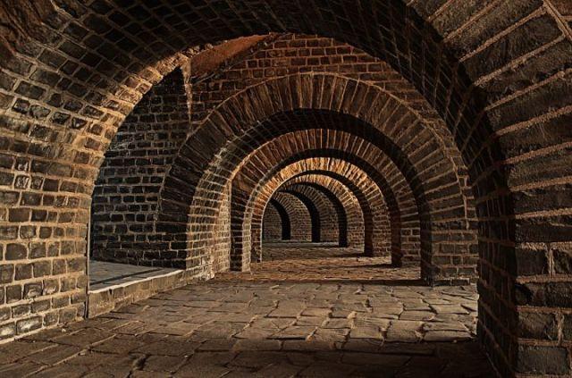 vaulted-cellar-247391_960_720